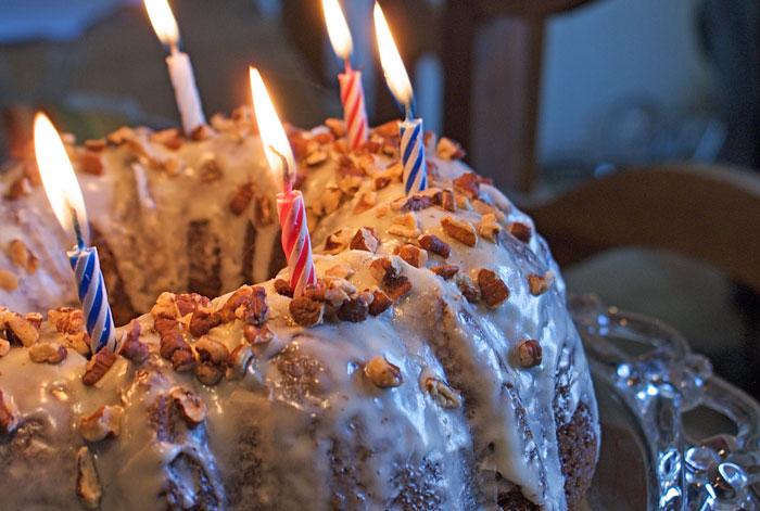 spiced-pumpkin-harvest-bundt-cake-make-ahead-desserts