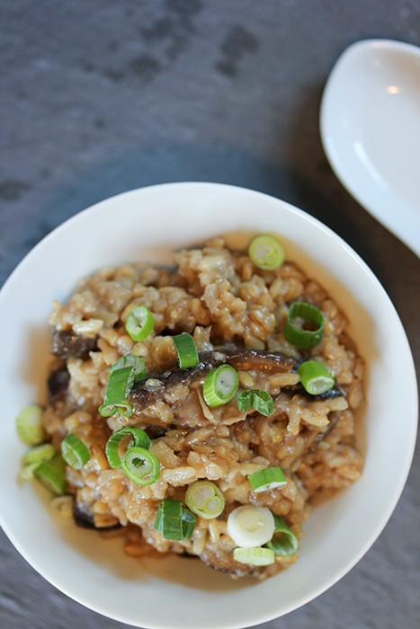 comforting-brown-rice-mushroom-porridge-recipe