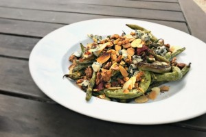 roasted-green-beans-pancetta-blue-cheese